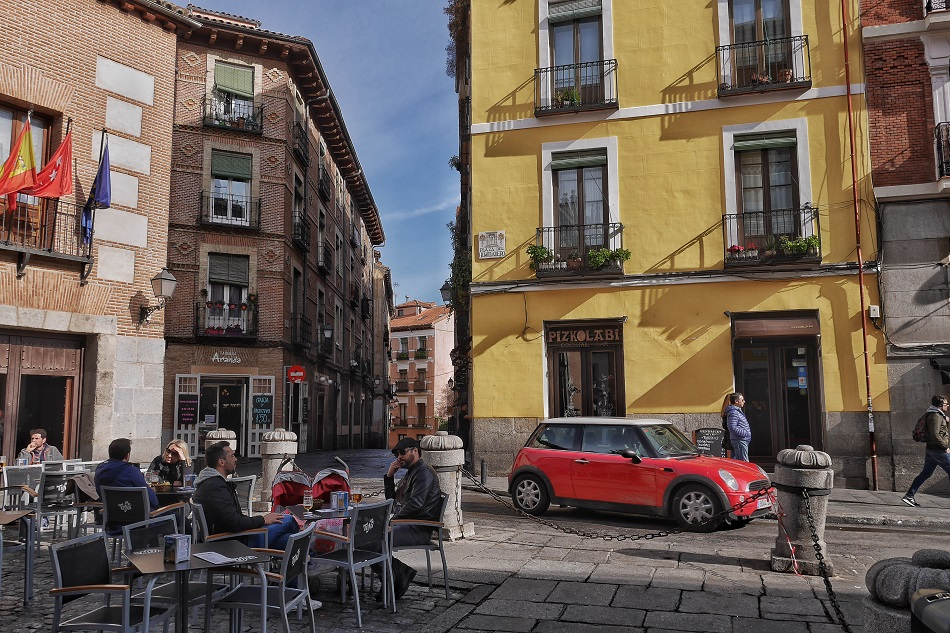 One of Madrid's hipper neighbourhoods, it's a great place to spend a Sunday: La Latina.