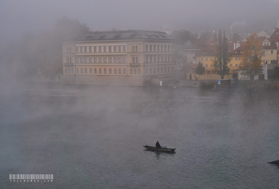 Prague_river_fisherman