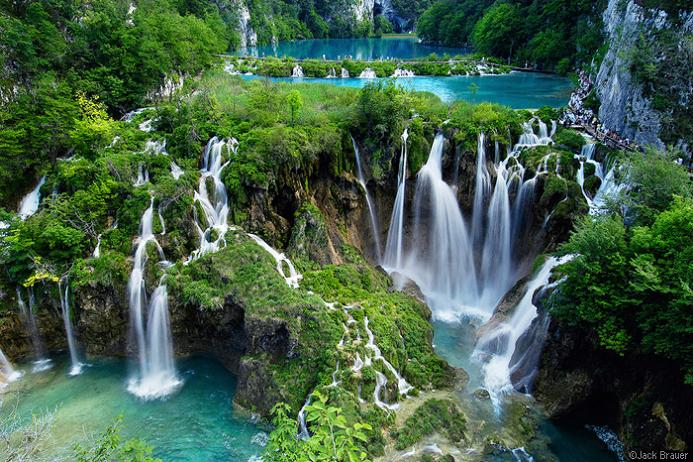 Plitvice Lake Waterfalls, by Flickr user jidanchaomian. Plitvice is a stunning park a little over 100km from Zadar.