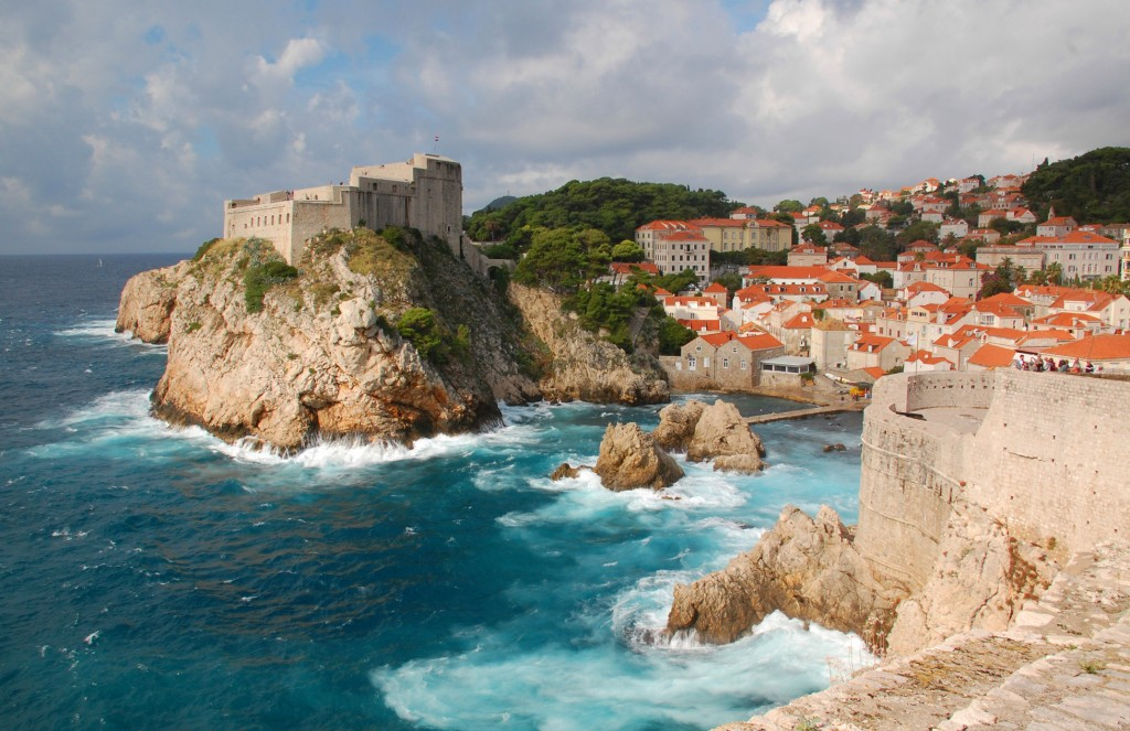 Medieval fortresses, Lovrijenac & Bokar, Dubrovnik, by Edward Wexler in 2013, from Wikipedia.